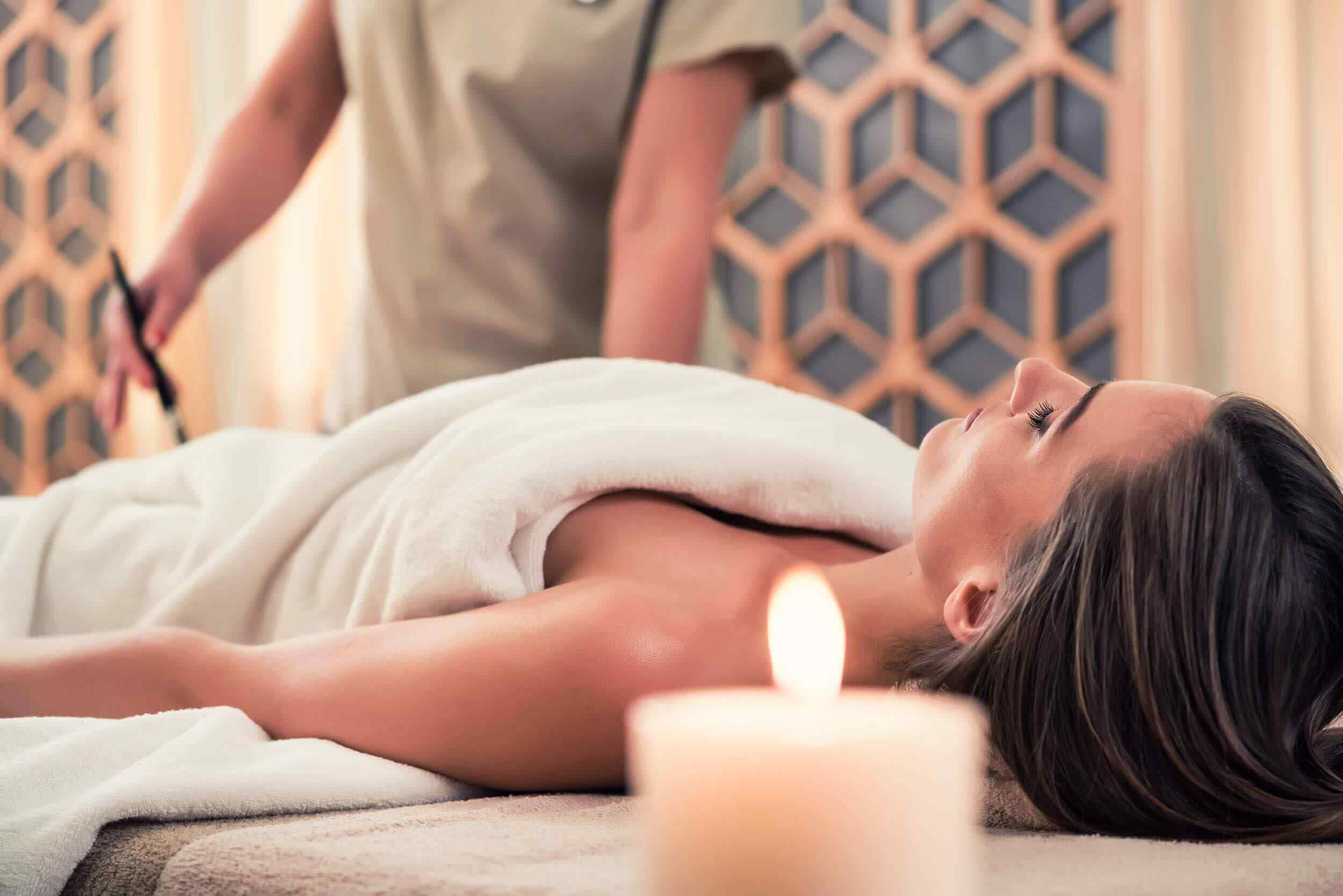 https://www.atmospherespa.gr/wp-content/uploads/2018/10/spa-treatment-5.jpg