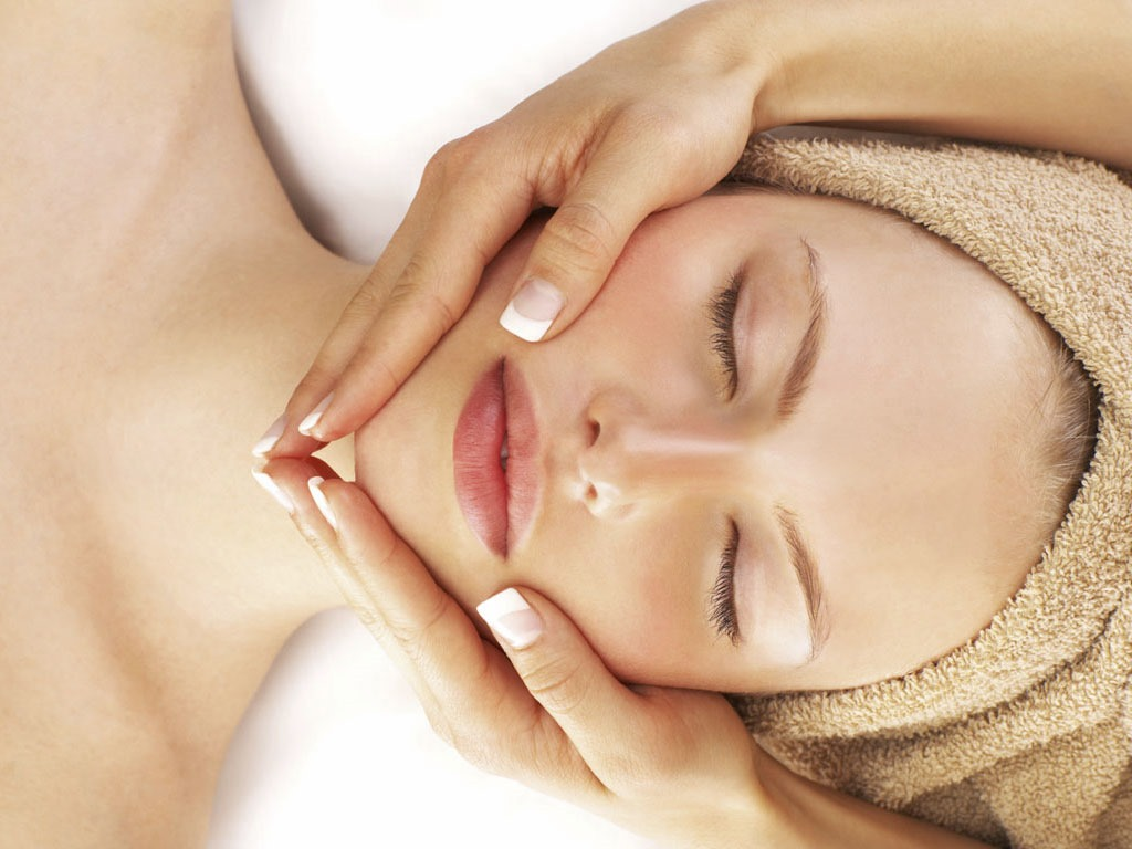 https://www.atmospherespa.gr/wp-content/uploads/2019/04/bkg_facial_treatments2.jpg