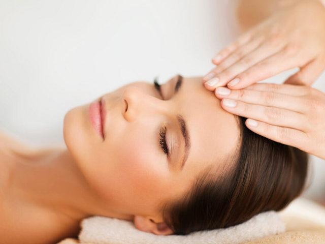 https://www.atmospherespa.gr/wp-content/uploads/2019/04/facial-massage-640x480.jpg